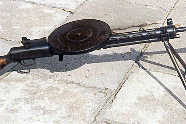 Авиационный пулемет да.