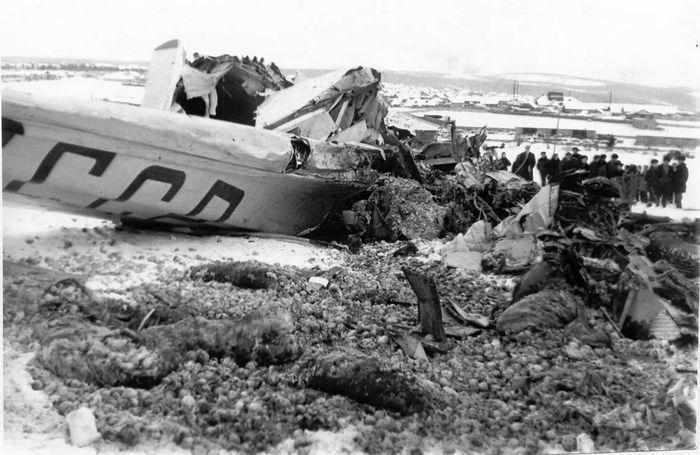 Авиакатастрофа ил-14 близ аэропорта иркутска. 1956