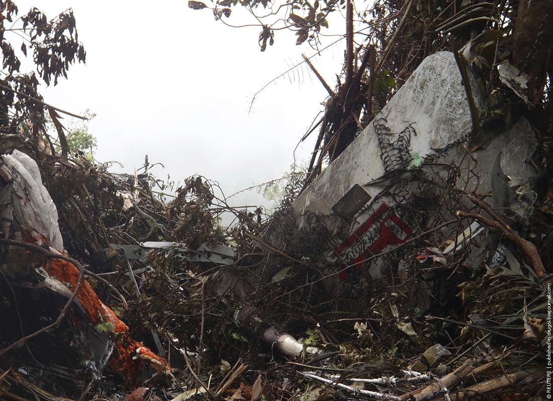 Авиакатастрофа superjet-100 в индонезии. 2012