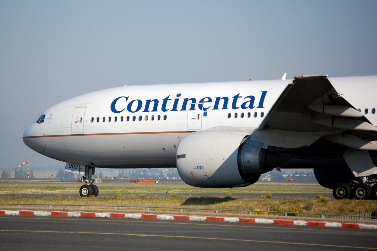 a business analysis of continental airlines an airline company in the united states United continental holdings as a brand is evaluated in terms of its swot analysis, competition, segment, target group, positioning its tagline/slogan and unique selling proposition are also covered.