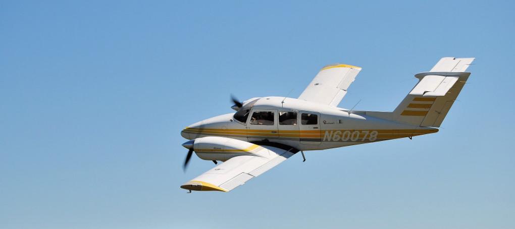 Beechcraft 76 duchess. техническая характеристика. фото.