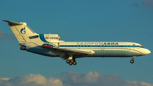 Ближнемагистральный пассажирский самолет як-42д.