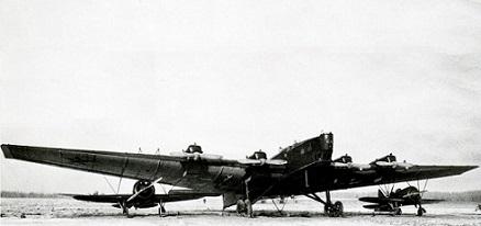 Бомбардировщик-авианосец «звено-спб».