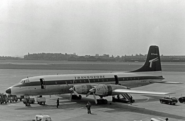 Canadair cl-44. технические характеристики. фото.