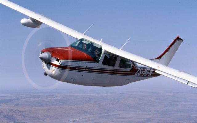 Cessna 210 centurion. технические характеристики. фото