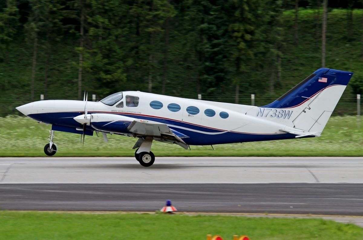 Cessna 414. характеристики. фото.