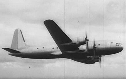 Дальнемагистральный пассажирский самолет ил-18 (первый).