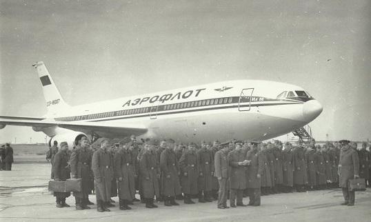 Дальнемагистральный пассажирский самолет ил-86.