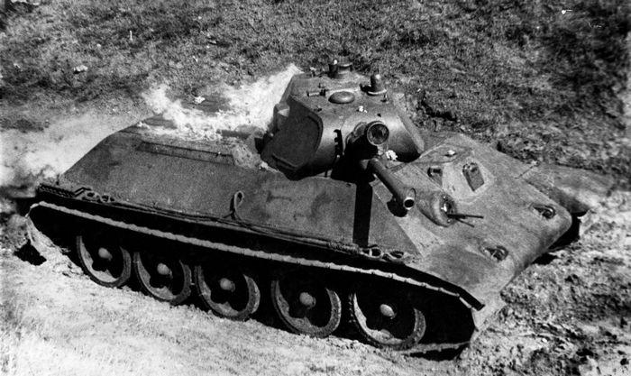 Дальний бомбардировщик-торпедоносец ил-6.