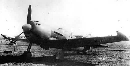 Дальний истребитель ла-11.