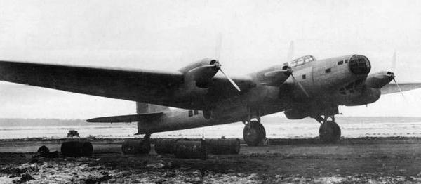 Дальний тяжелый бомбардировщик ант-42 (тб-7).