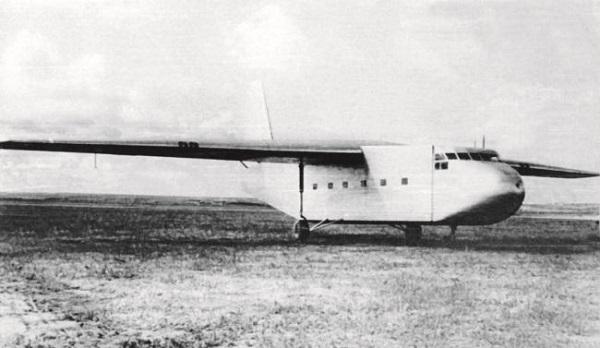 Десантно-грузовой планер ил-32.