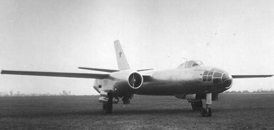 Фронтовой бомбардировщик ил-28.