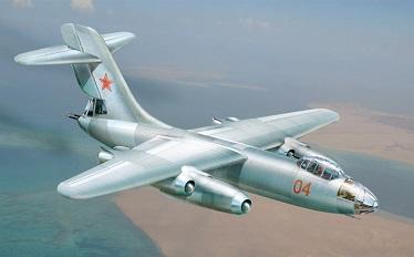 Фронтовой бомбардировщик су-10 (проект).