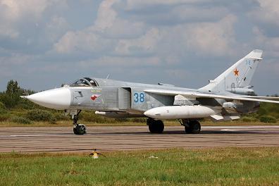 Фронтовой бомбардировщик су-24.