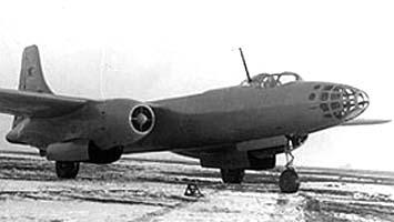 Фронтовой бомбардировщик ту-73.