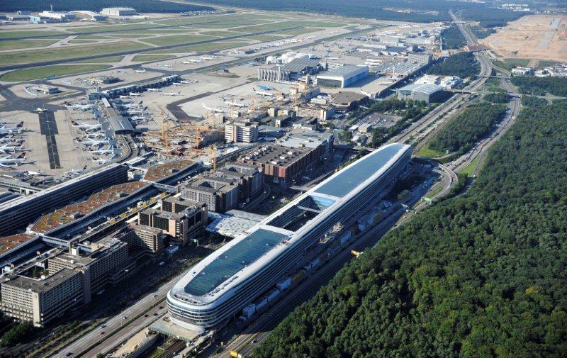 Главный аэропорт германии запустят осенью 2013-го