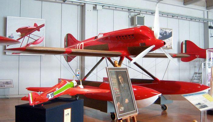 Гонка за призраком скорости. гоночный самолет macchi m.67. италия