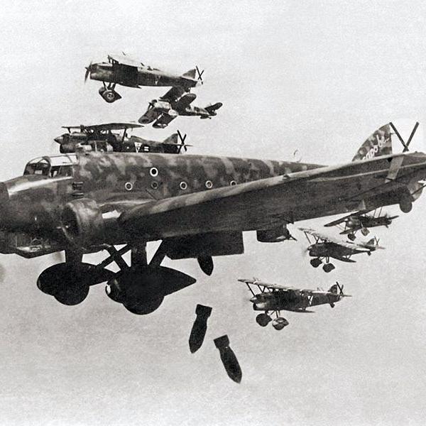 И-16 в «безоблачном небе» испании.
