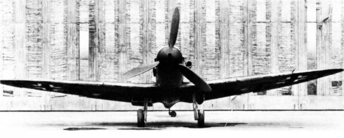 Испытано в германии. истребитель spitfire v c двигателем db 605