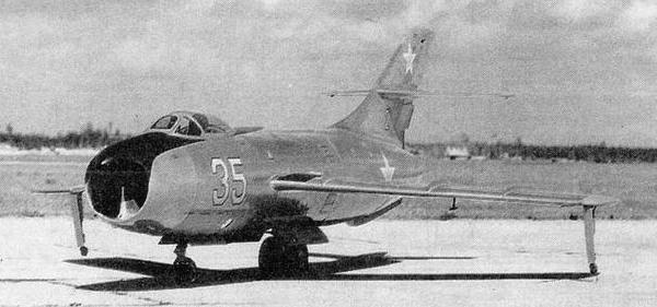 Истребитель-перехватчик як-50 (первый).