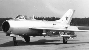 Истребитель-перехватчик миг-19 (см-6).