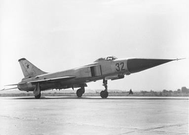 Истребитель-перехватчик су-15т.