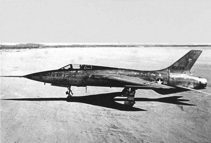 Экспериментальный истребитель п-1.