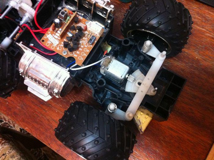 Как переделать и установить аппаратуру радиоуправления с китайской игрушки на модель самолета
