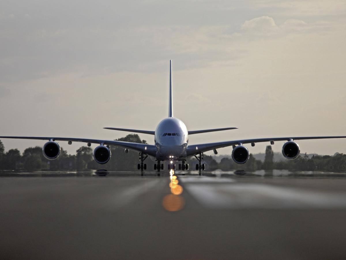 Какая скорость самолета при взлете