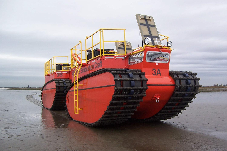 Канадский вездеход-корабль arktos потушит пожар в пустыне и на пляжах антарктики