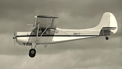 Легкий многоцелевой транспортный самолет як-12.