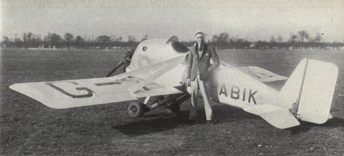Легкий самолет angus aquila. великобритания