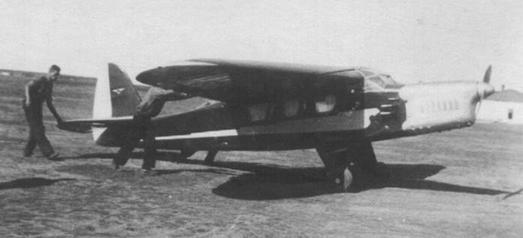 Легкий транспортный самолет сам-14.