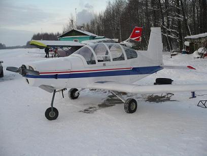 Легкий учебный самолет «дельфин-10».