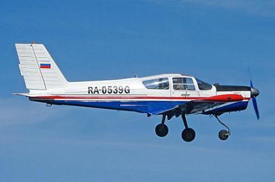 Легкий учебный самолет «дельфин-3».