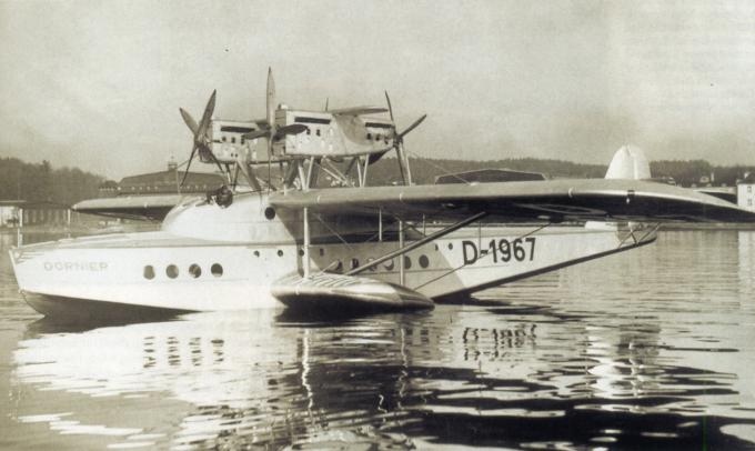 Маленькая сестра do x. пассажирская летающая лодка dornier do s. германия
