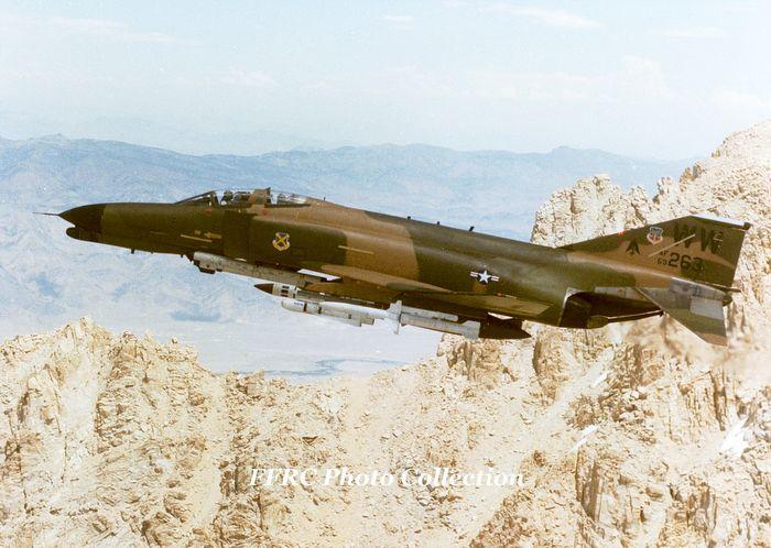 Mcdonnell douglas f-4 phantom ii. введение