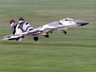 Многоцелевой истребитель су-27смк.