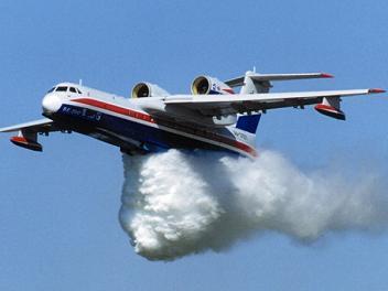 Многоцелевой самолет-амфибия бе-200.