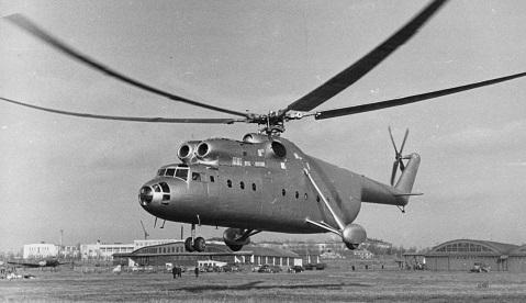 Многоцелевой транспортный вертолет ми-6.