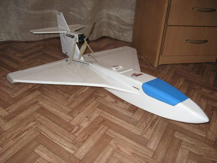 Модель метательного планера - полукопия самолета су-24