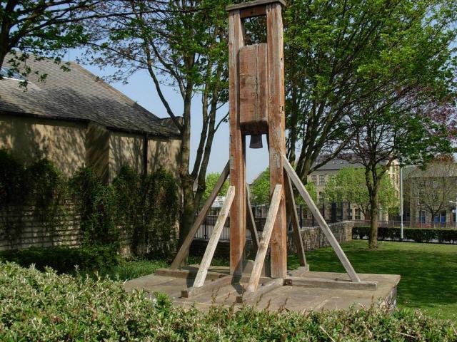«Национальная бритва» франции: история гильотины