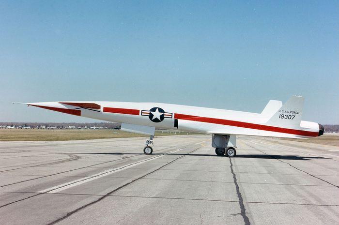 North american x-10. технические характеристики. фото.