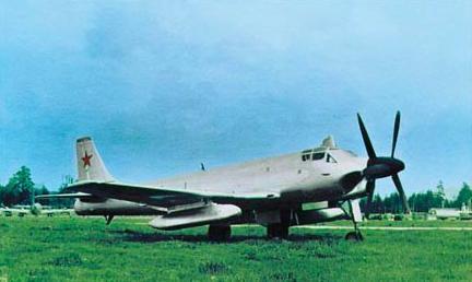 Палубный бомбардировщик-торпедоносец ту-91 «бычок».
