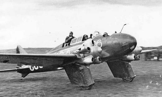 Пассажирский самолет каи-1.