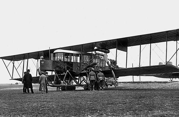 Первый в мире многомоторный самолет «гранд» («гранд балтийский», «русский витязь»).