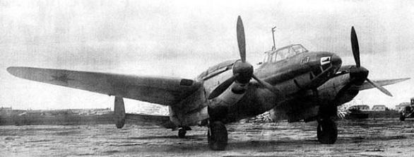 Пикирующий бомбардировщик пе-2ф.