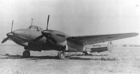 Пикирующий бомбардировщик пе-2и.