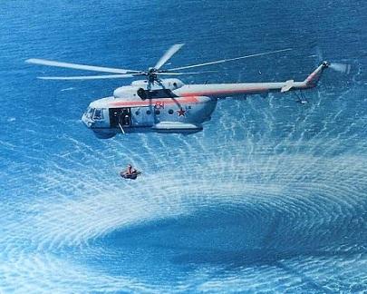 Поисково-спасательный вертолет-амфибия ми-14пс.